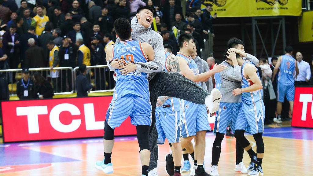 采访广厦教练李春江:后半程反扑做得好 球队输在第三节_CBA全场集锦