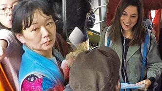 目睹異鄉人在公交車上迷路,你會怎么做?