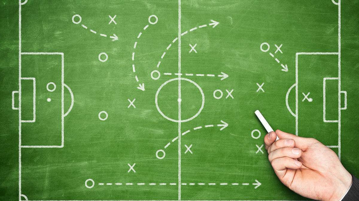 足球战术丨七人制3-2-1阵型详解_足球技巧教学 组织进攻战术