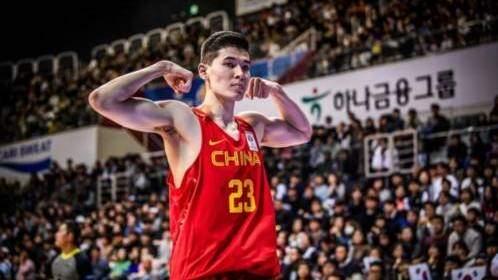 杰弗森发视频宣布 已与新疆男篮正式签约_CBA