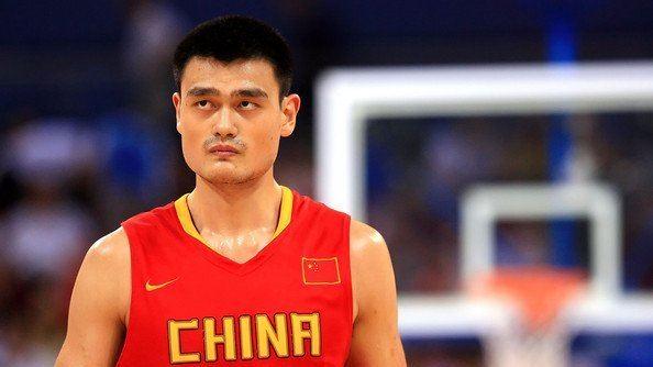 《天选之子:姚明》东方小巨人荣归故里振兴中国篮球_CBA