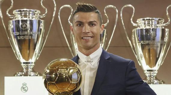 【球星】逆天的记录粉碎机!C罗13-14赛季欧冠17球全记录_欧冠冠军表现时刻