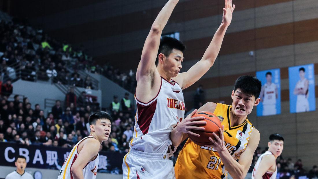 采访广厦主教练李春江:下半场打得很好 需要继续努力_CBA全场集锦