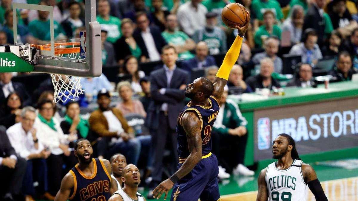 当NBA球星化身复仇者联盟 韦少成绿巨人詹姆斯变灭霸