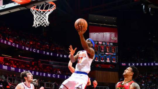 【得分】不愧是好兄弟 史密斯迎人三分小乔丹板凳席展翅飞翔_NBA全场集锦