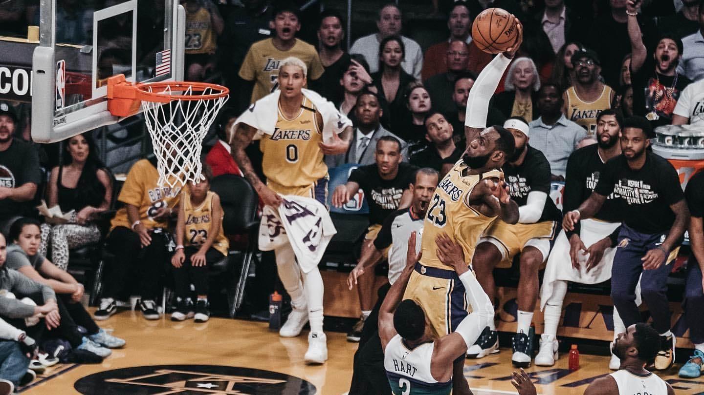 NBA放大镜:盘点本赛季火锅盖帽盛宴,詹姆斯关键绝杀惨遭贝弗利封盖_全景NBA