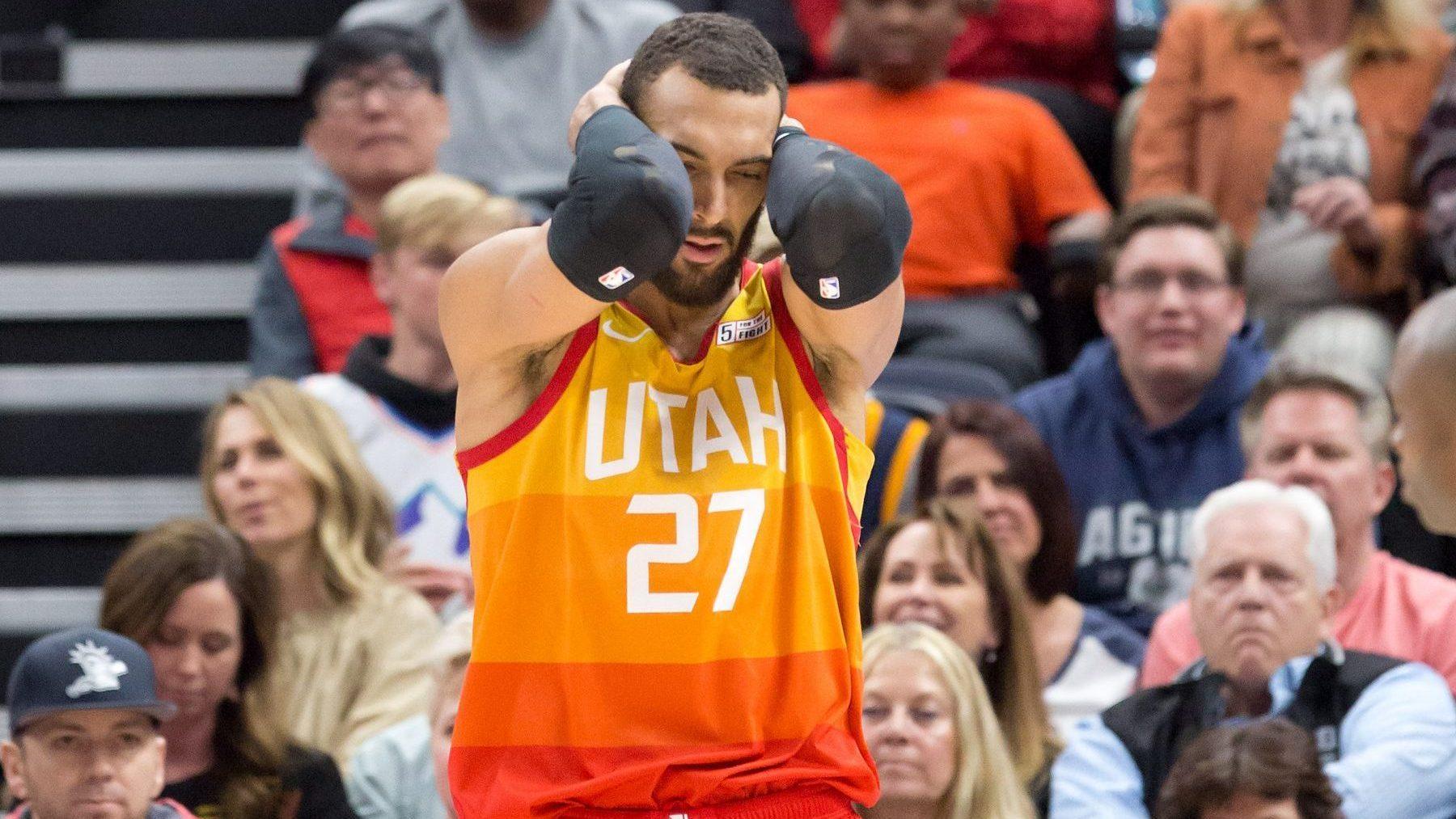 除了阿努诺比伊巴卡也很危险!伊巴卡亲吻了戈贝尔罚球后的篮球_NBA每日重磅
