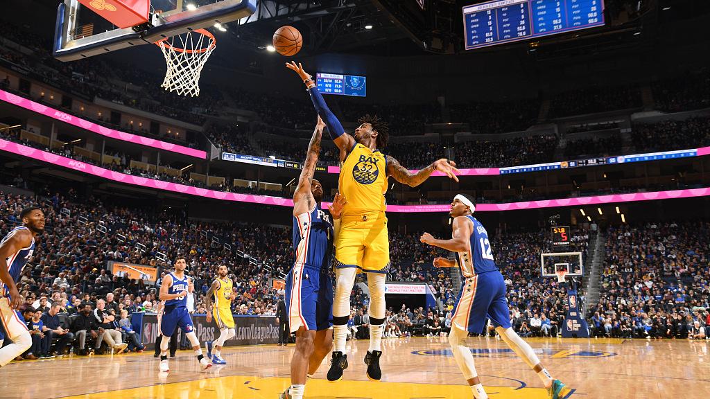 【原声】8日NBA五佳球 穆雷复制纳什经典维金斯演绎仙人指路_TOP时刻