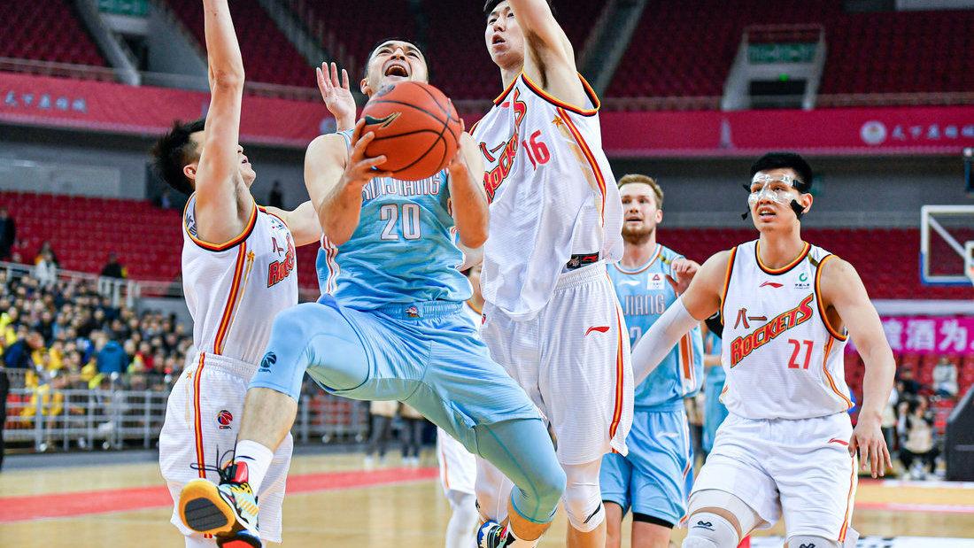 赛后采访新疆主帅阿的江 阿尔斯兰的表现让我很开心_新疆男篮