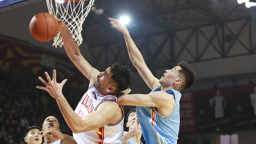 赛后采访阿的江:我们的防守给对手了空位机会 更换外援对攻防体系有一定影响_新疆男篮