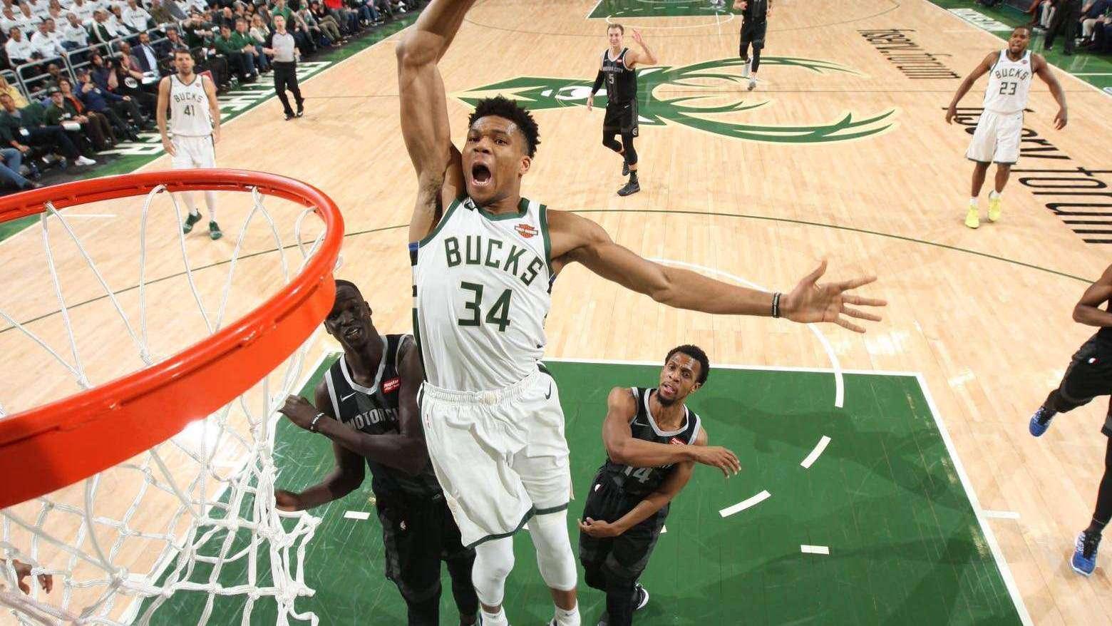 第六周NBA十佳镜头 詹姆斯追身夺命血帽哈雷尔干拔补篮续弦_TOP时刻