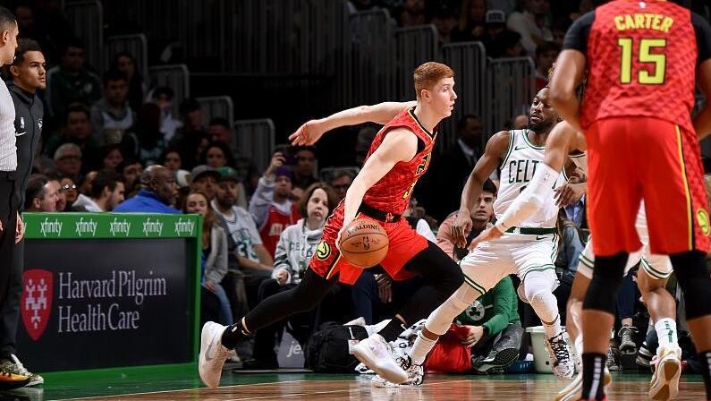 【原声回放】老鹰vs凯尔特人第3节 塔图姆高高跃起三分中的_NBA全场回放