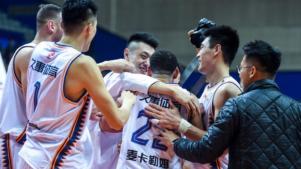 【前瞻】CBA第13轮上海vs青岛 青岛欲分担亚当斯进攻压力_CBA全场集锦