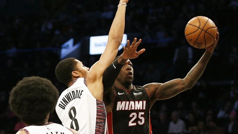【原声回放】热火vs篮网第4节 丁威迪射出关键三分_NBA全场回放