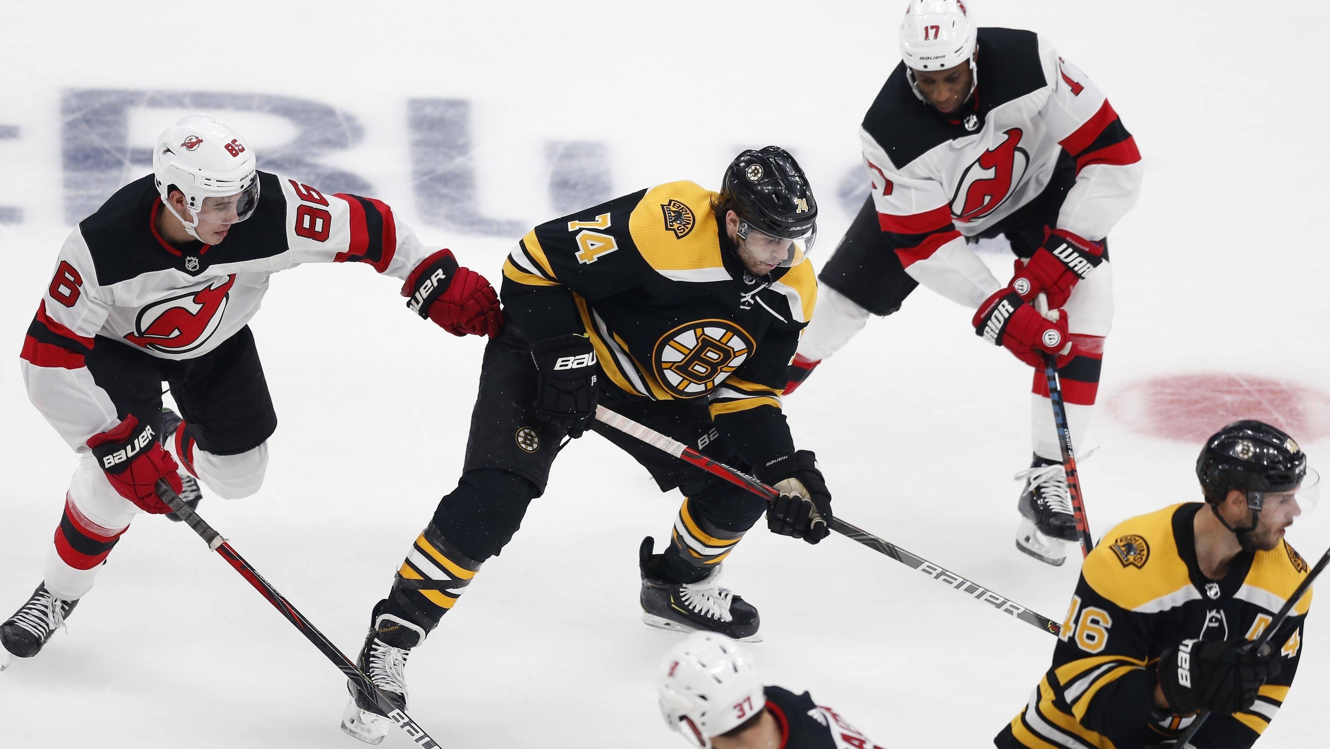 【进球】打破僵局!格雷斯里克远距离发炮助棕熊领先_NHL比赛集锦