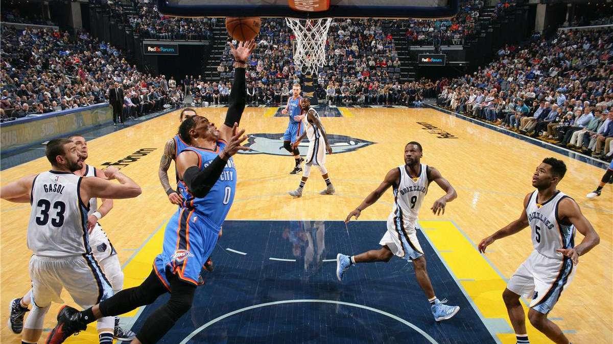 NBA复赛第一周湖人十佳球,詹眉连续封盖守卫禁区 詹姆斯1v5补篮绝杀
