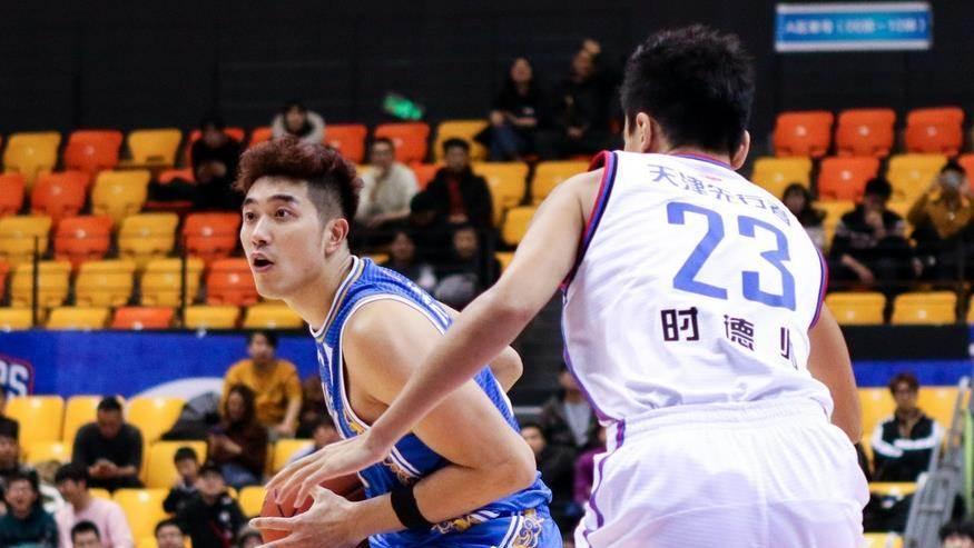 CBA第26轮:天津vs江苏第2节 托多罗维奇钉板大帽吴冠希_CBA全场回放