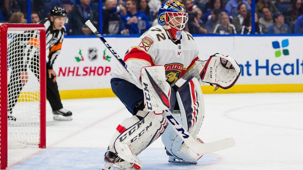 【进球】沃伦斯基帽子戏法 连中三元 全场扔帽庆祝_NHL比赛集锦