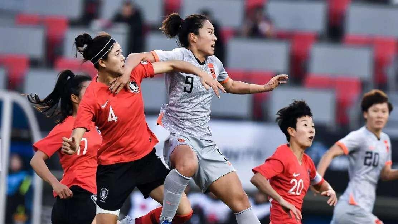 贾秀全:创造出了机会可惜没打进 确实跟日本队存在差异_国足