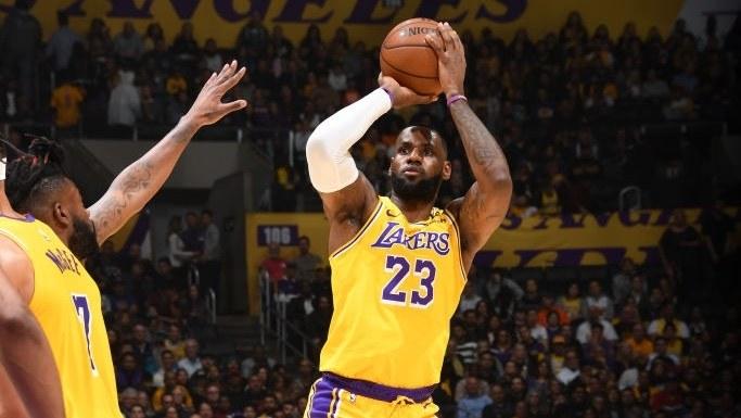 【回放】尼克斯vs湖人第4节 库兹马霍华德完美连线_NBA全场回放