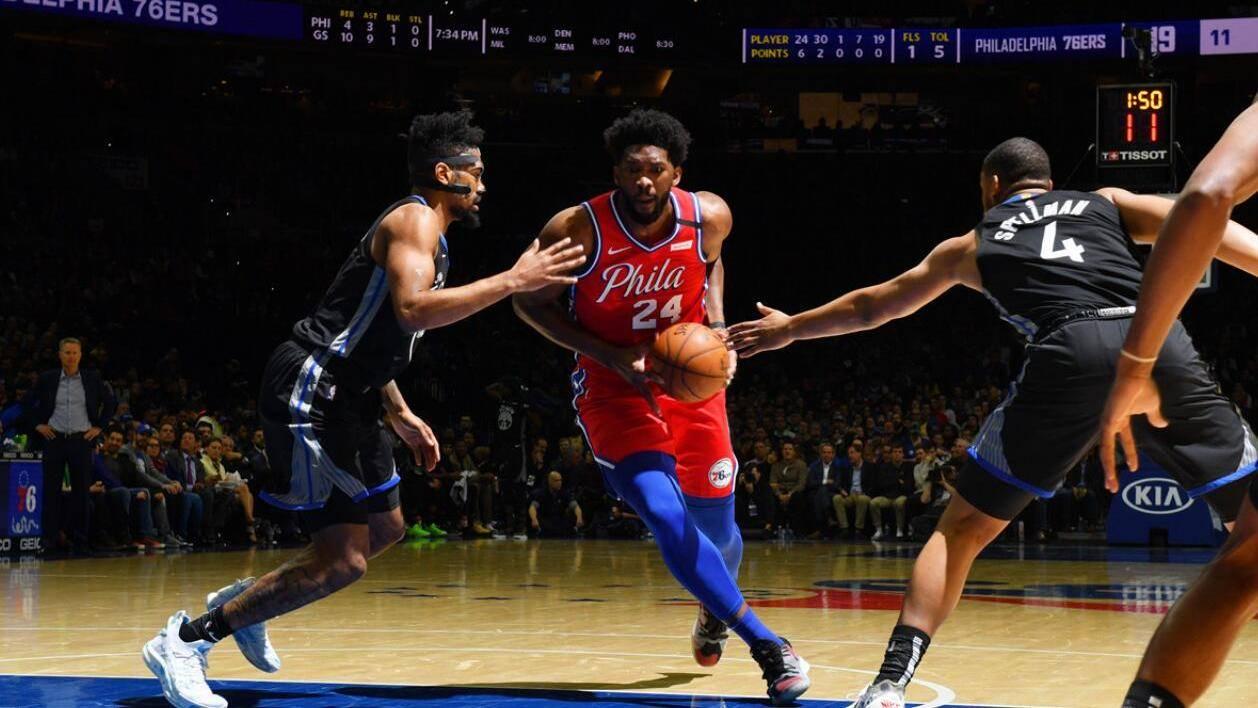 29日NBA十佳球 恩比德翻身跳投致敬科比比尔冲天飞扣_TOP时刻