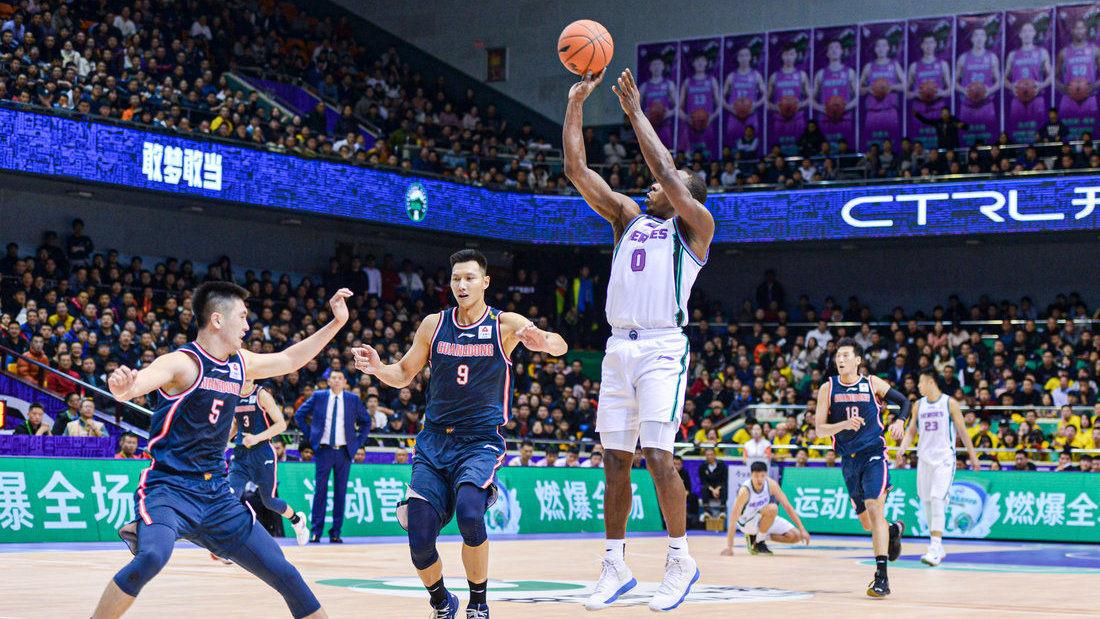 赛后连线杜锋:舟车劳顿后我们打的很好 年轻球员都站出来了_广东男篮