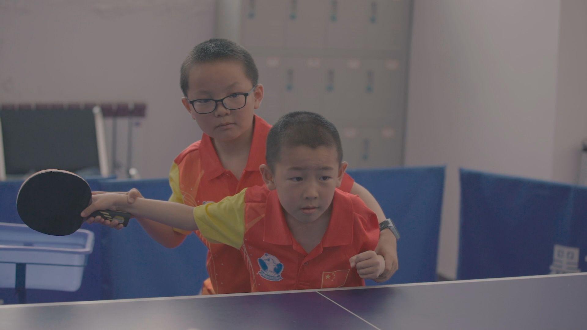 坚持自己的路!藏族小伙学成回乡当乒乓球教练_酷炫体坛