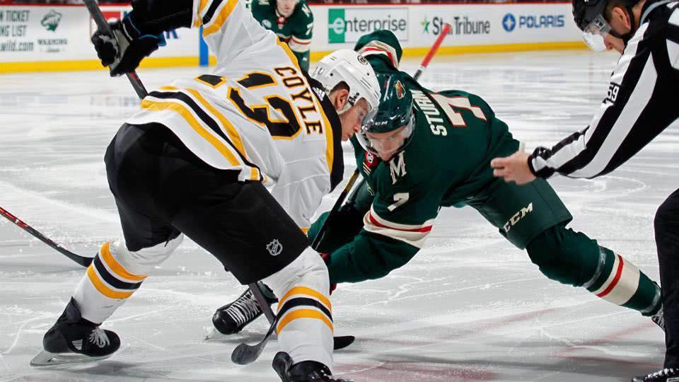 【得分】填平三球大坑!克鲁格尔接队友倒三角回传小角度破门_NHL比赛集锦
