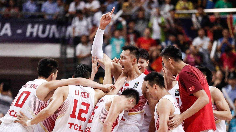 男篮经典战:2015年长沙亚