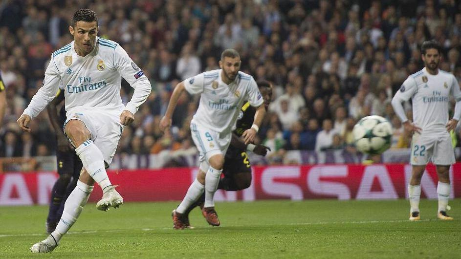 【球星】C罗亮剑掀进攻狂潮 欧冠进球数领先梅西排历史第一_皇家马德里