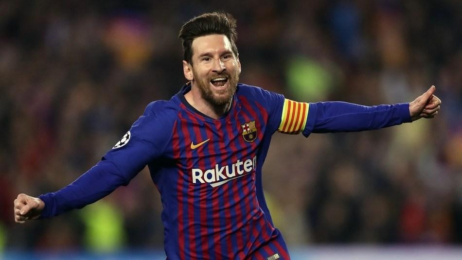最佳视角看梅西超远任意球破门 你只需静候 然后庆祝膜拜他_欧冠